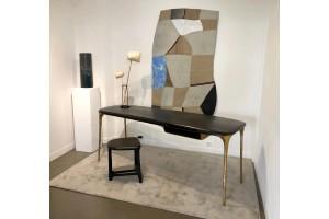 <a href=https://www.galeriegosserez.com/gosserez/artistes/loellmann-valentin.html>Valentin Loellmann </a> - Brass - Desk